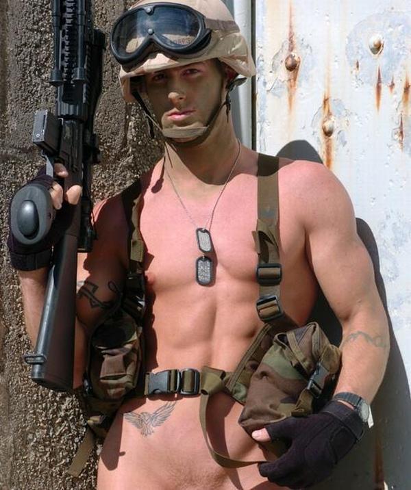 soldat-goliy-foto